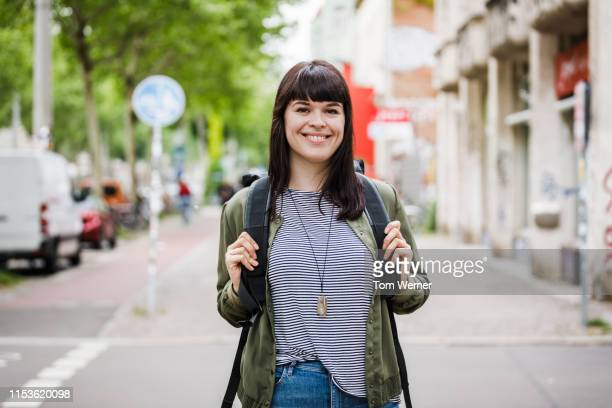 portrait of woman out shopping in the city - medium length hair stock pictures, royalty-free photos & images