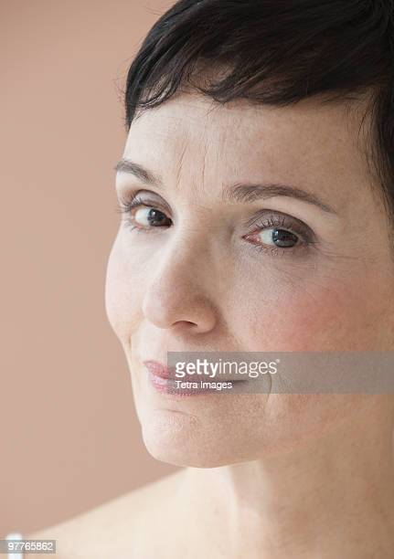 portrait of woman - lentigo fotografías e imágenes de stock