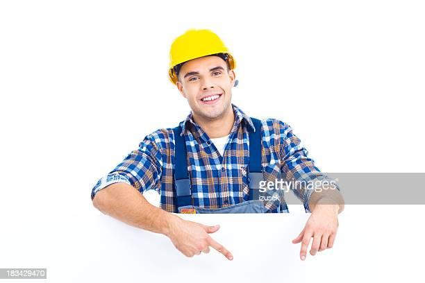Porträt der Arbeiter mit blank sign