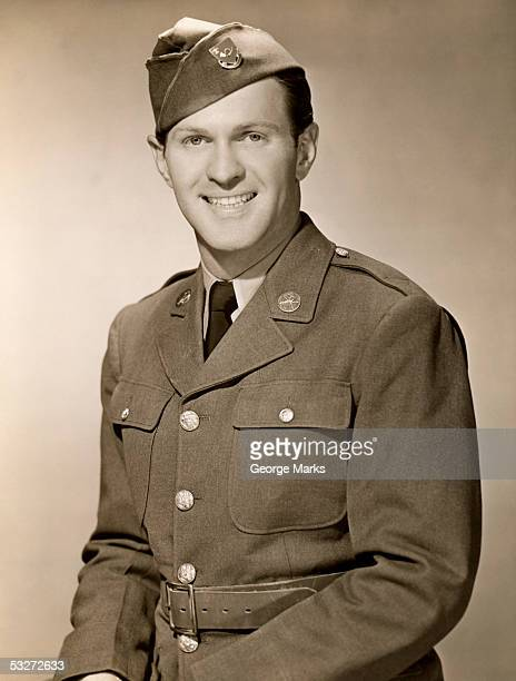 portrait of world war ii army man - army soldier photos stock photos and pictures