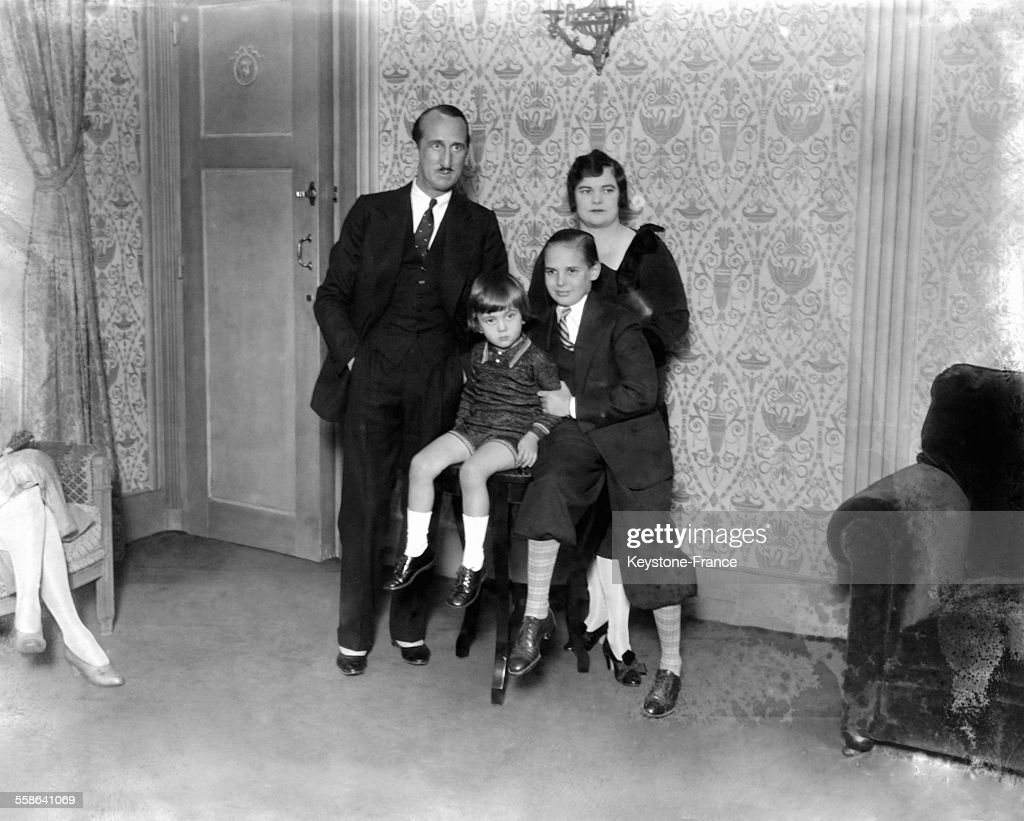 Jackie Coogan With Family : News Photo
