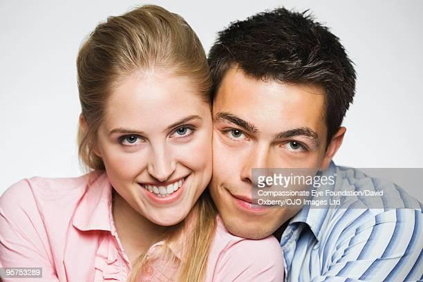 """portrait of young couple - """"compassionate eye"""" - fotografias e filmes do acervo"""