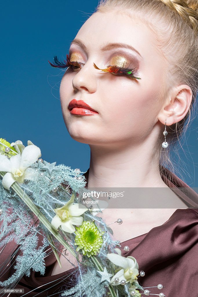 Portrait of young fashion woman : Stock Photo