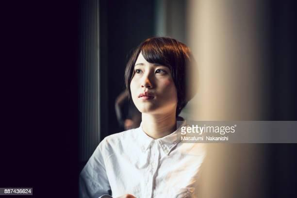 若い女性のビジネス人の肖像画。 - 心配する ストックフォトと画像