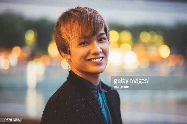 若い日本人男性の肖像画 - ハンサム ストックフォトと画像