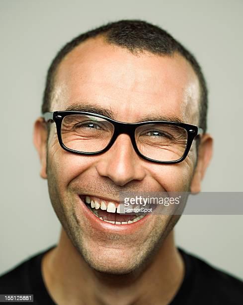 Porträt eines jungen Mannes Lachen