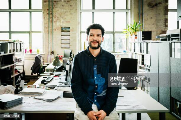 portrait of young office manager - three quarter front view stock pictures, royalty-free photos & images