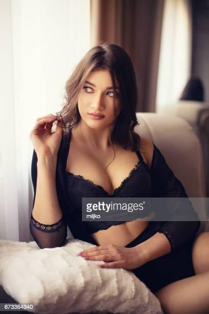 Portrait de jeune femme sensuelle