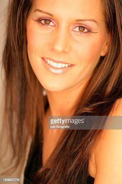portrait of young woman, 24 years - 25 29 years stock pictures, royalty-free photos & images