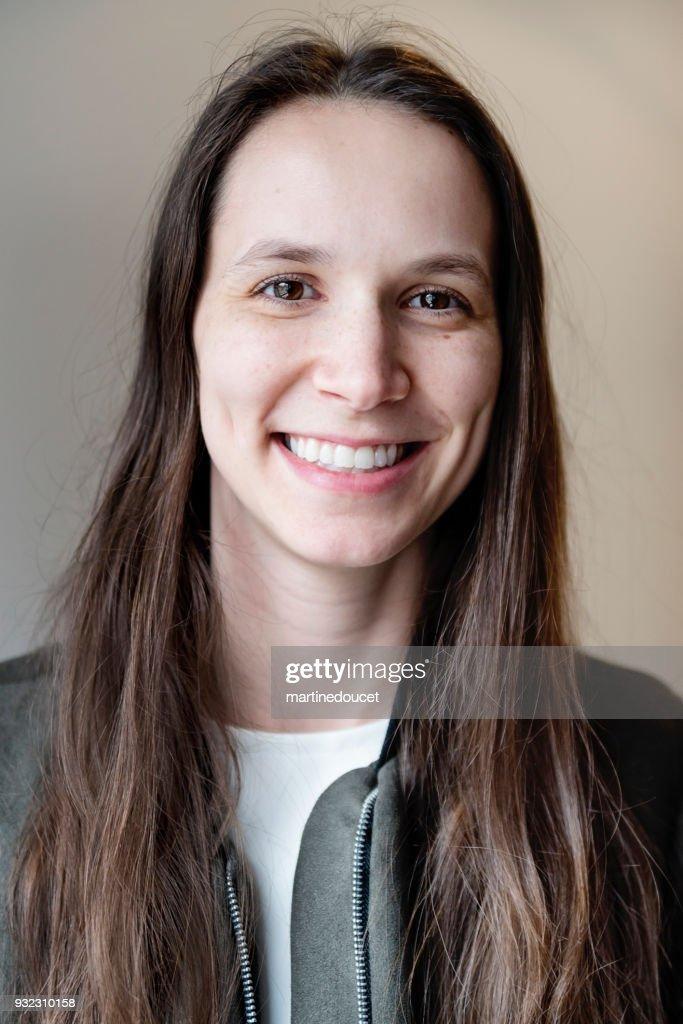 Portrait of young woman in her twenties. : Stock Photo