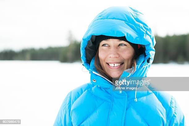 portrait of young woman - padded jacket stock pictures, royalty-free photos & images