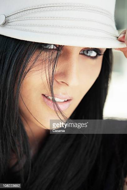 portrait of young woman wearing hat - gray eyes stock pictures, royalty-free photos & images