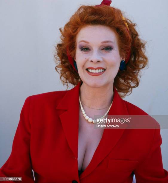 Portrait shooting of the German actress comedian and dubbing artist Elisabeth Volkmann for the television series SALTO POSTALE Germany 1995