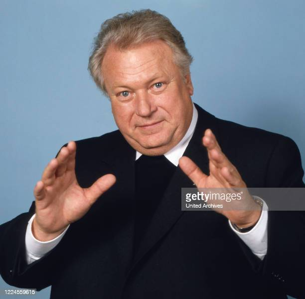 Portrait shot of the German film theater and television actor Günter Strack on the ZDF pastor's series 'Body and soul' in Grossostheim near...