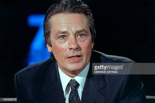 A portrait taken on October 28 1988 shows French actor Alain Delon on the TV set of French channel TF1 in Paris AFP PHOTO DERRICK CEYRAC