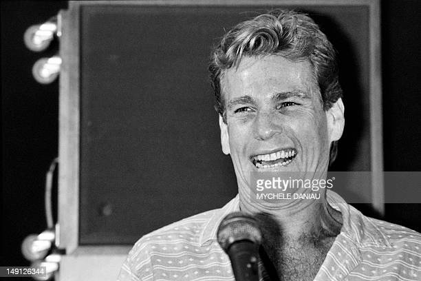 A portrait taken on September 6 1984 shows US actor Ryan O'Neal giving a press conference during the presentation of his film Irreconcilable...