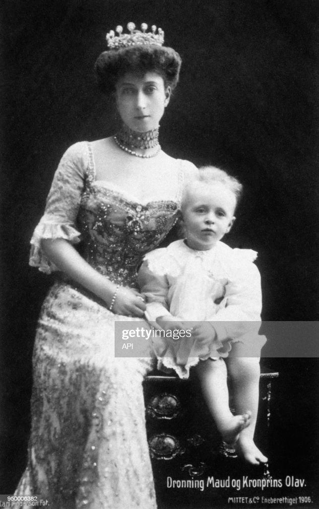 Portraits de la Reine Maud et du Prince héritier Olav de Norvège : News Photo