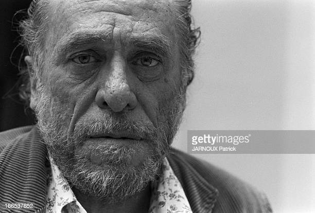 Charles Bukowski - Reads His Poetry