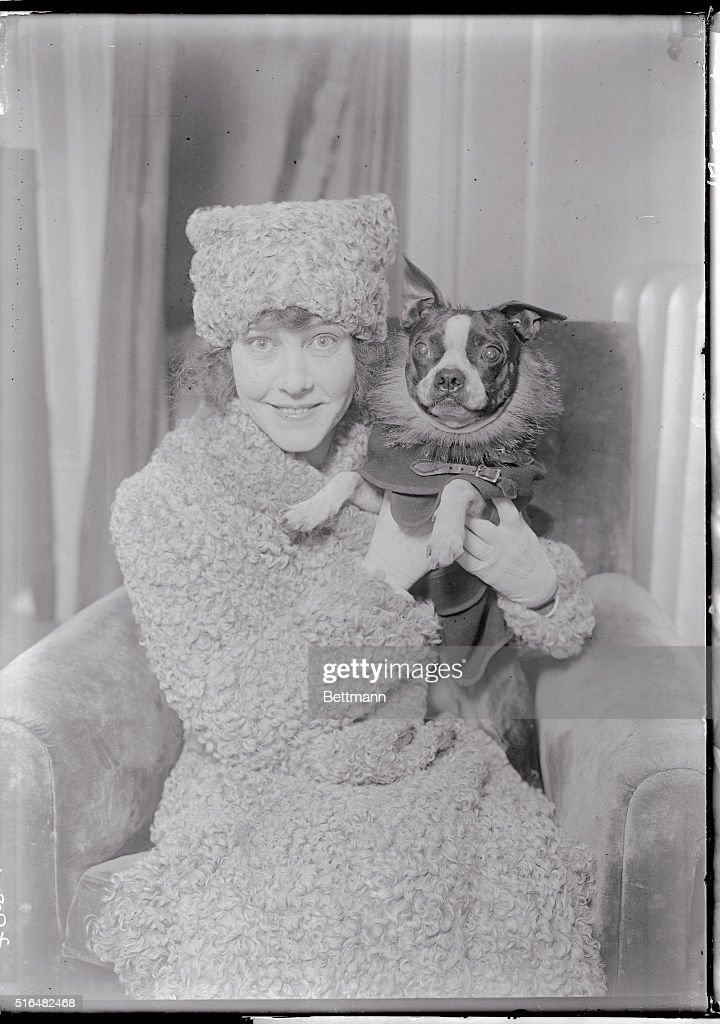 Portrait of Cleo Mayfield with Her Dog : News Photo
