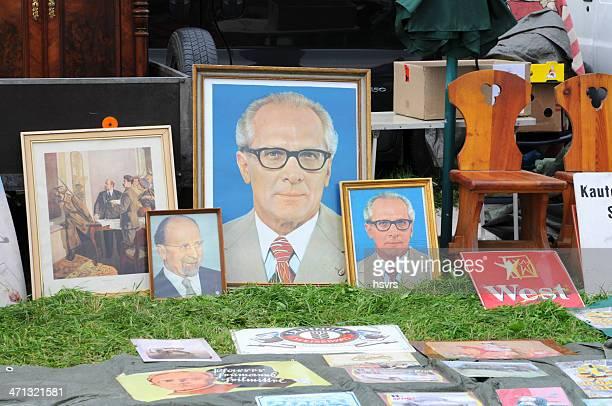 porträts von ex sozialismus politiker lenen ulbricht und honecker - erich honecker stock-fotos und bilder