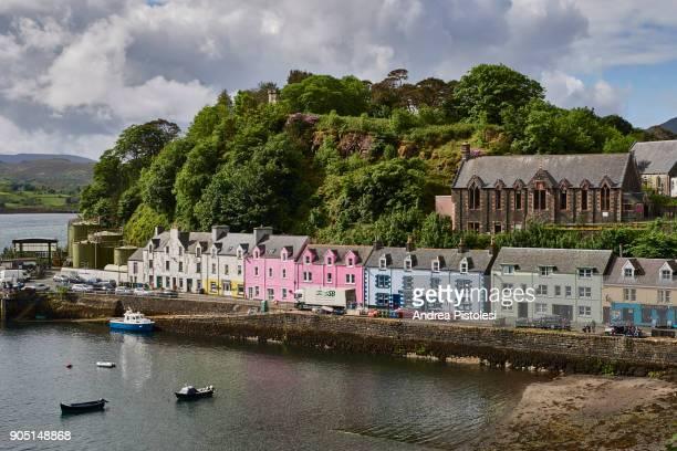 portree village on the isle of skye, scotland - ポートリー ストックフォトと画像