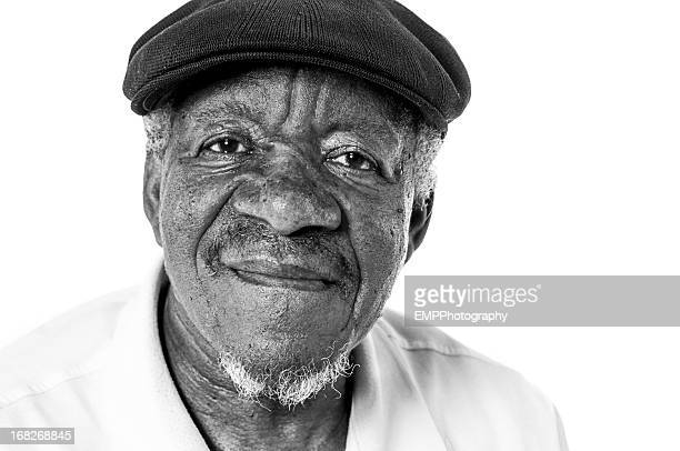 portriat of senior african american man in black and white - zwart wit stockfoto's en -beelden