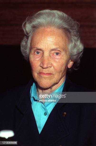 """Porträt der Mitherausgeberin der Wochenzeitung """"Die Zeit"""", Dr. Marion Gräfin Döhoff, aufgenommen am . Marion Hedda Ilse Gräfin Dönhoff wurde am auf..."""