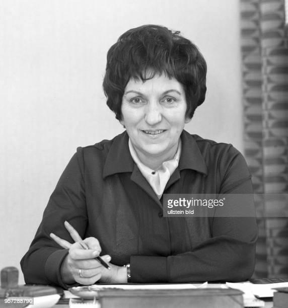 Porträt der Vorsitzenden des Demokratischen Frauenbunds Deutschlands Ilse Thiele aufgenommen im Februar 1972 in Berlin Ilse Thiele war Mitglied des...
