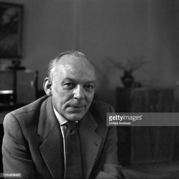 Porträt eines älteren Herrn, Deutschland 1950er Jahre.
