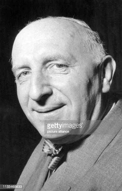 Porträt von Dr. Otto Suhr aus dem Jahre 1954. Der vormalige Präsident des Berliner Abgeordnetenhauses wurde im Jahre 1954 von der SPD zum...