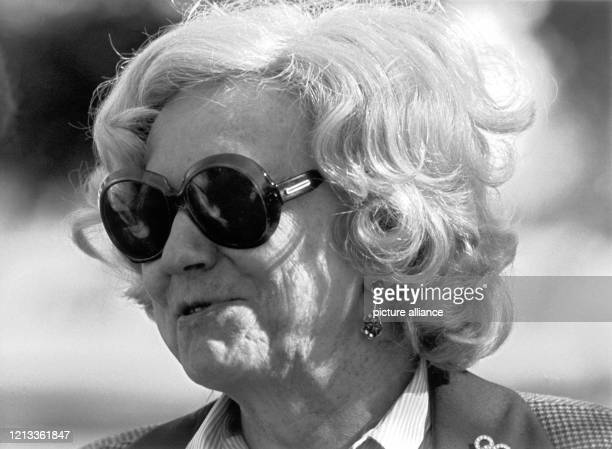 Porträt von Käthe Dassler, Chefin des Sportartikelherstellers adidas , aufgenommen am während des Prominenten-Golfturniers der Firma in...
