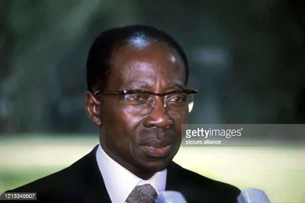 Porträt von Leopold Senghor, Präsident des Senegals, aufgenommen Anfang Mai 1977 während seines Besuches in Bonn. Der Politiker und Dichter Senghor...