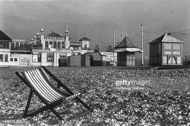 portsmouth beach - 1939 stock-fotos und bilder