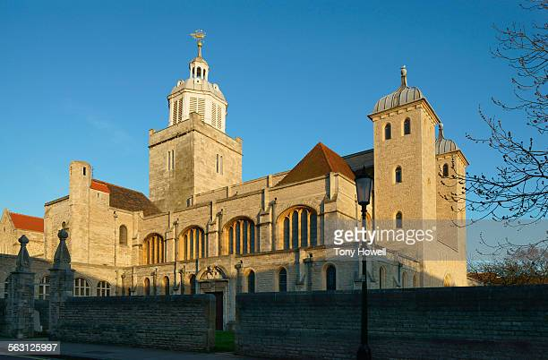 portsmouth cathedral side view - tony howell stock pictures, royalty-free photos & images