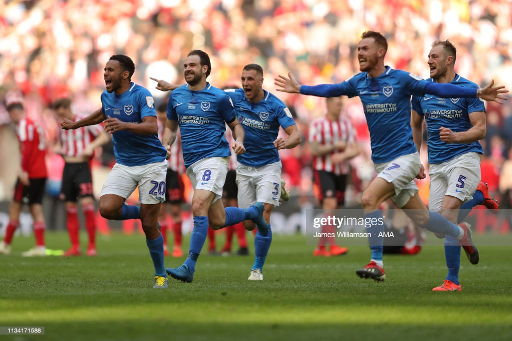 Portsmouth v Sunderland - Checkatrade Trophy Final : Foto jornalística