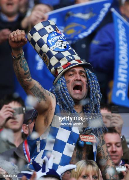Portsmouth fans welcomes his team prior to the FA Cup sponsored by EON SemiFinal match between West Bromwich Albion and Portsmouth at Wembley Stadium...