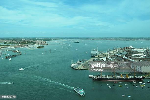 portsmouth historic dockyard - marinebasis stockfoto's en -beelden