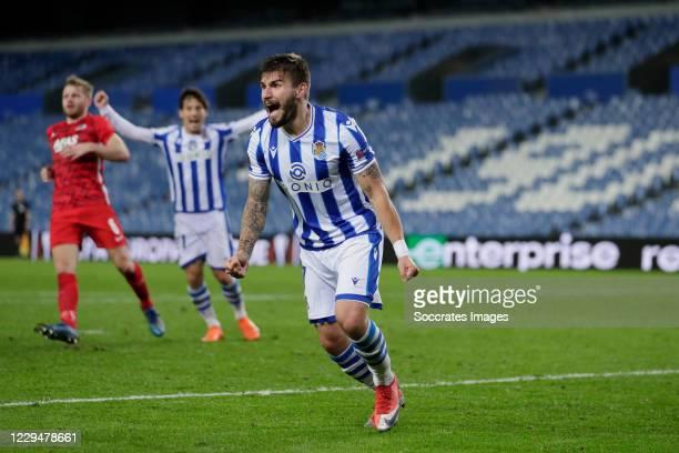 Portu of Real Sociedad Celebrates 1-0 during the UEFA Europa League match between Real Sociedad v AZ Alkmaar at the Estadio Anoeta on November 5,...