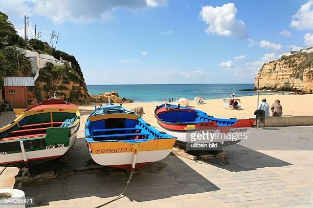 Fischerboote am Strand von Carvoeiro
