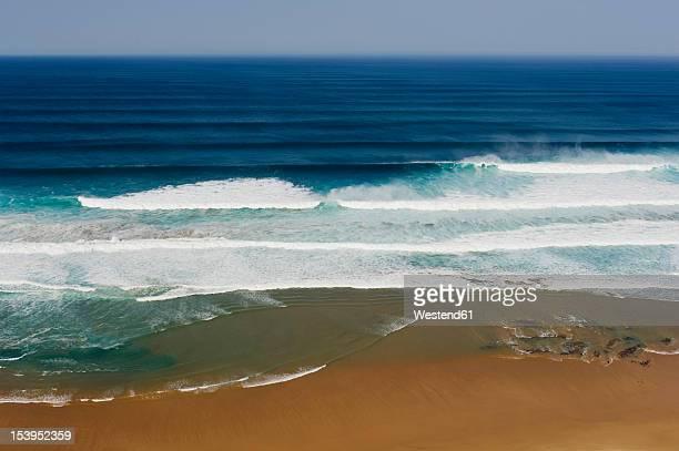 portugal, algarve, sagres, view of atlantic ocean with breaking waves - sagres bildbanksfoton och bilder
