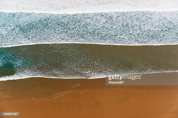 portugal, algarve, sagres, view of atlantic ocean with waves - sagres bildbanksfoton och bilder