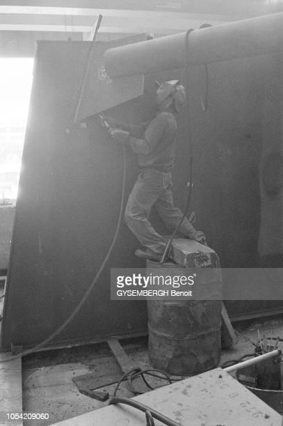 Portugal août 1976 Aspects de l'économie portugaise qui doit faire face à une grave crise économique Depuis le 23 juillet le pays est dirigé par le...