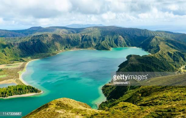 portugal, azores islands, sao miguel, lagoa do fogo - azores fotografías e imágenes de stock