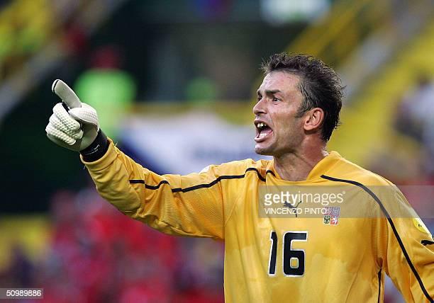 Czech Republic goalkeeper Jaromir Blazek shouts to his team, 23 June 2004 at Jose de Alvalade stadium in Lisbon during their European Nations...