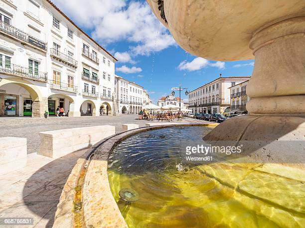 Portugal, Evora, Chafariz da Praca do Giraldo, Fountain at Praca do Giraldo
