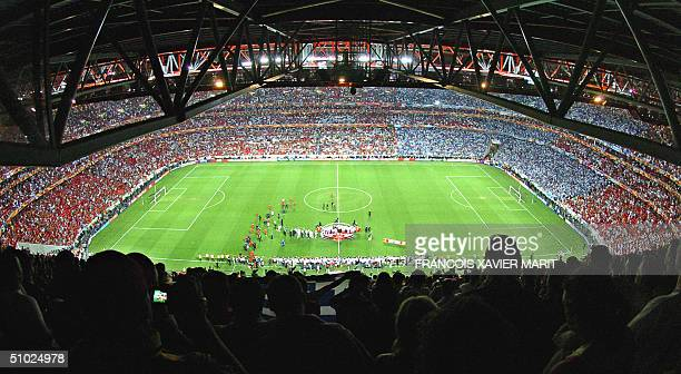 General view taken 04 July 2004 at Stadio da Luz in Lisbon at the end of the Euro 2004 final football match between Portugal and Greece at the...