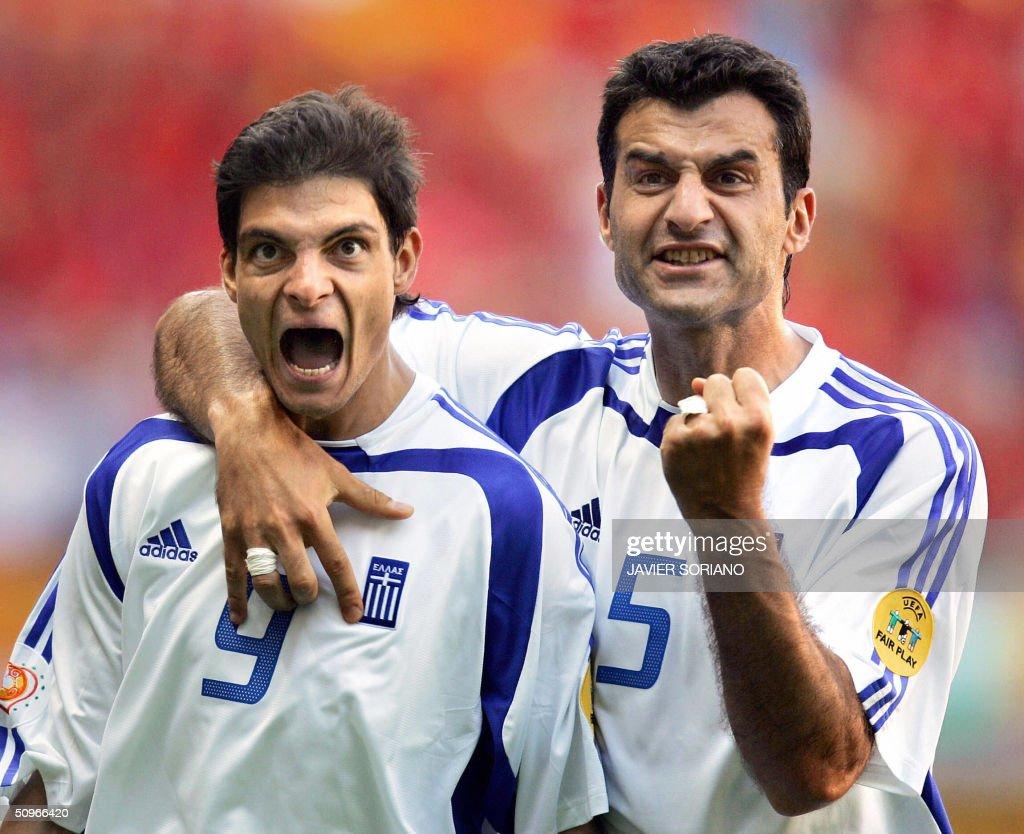 Greece's forward Angelos Charisteas (L) : News Photo