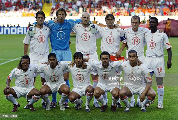 Netherland's national football team players pose 30 June 2004 at the Alvalade stadium in Lisbon prior to the Euro 2004 semi final match between...