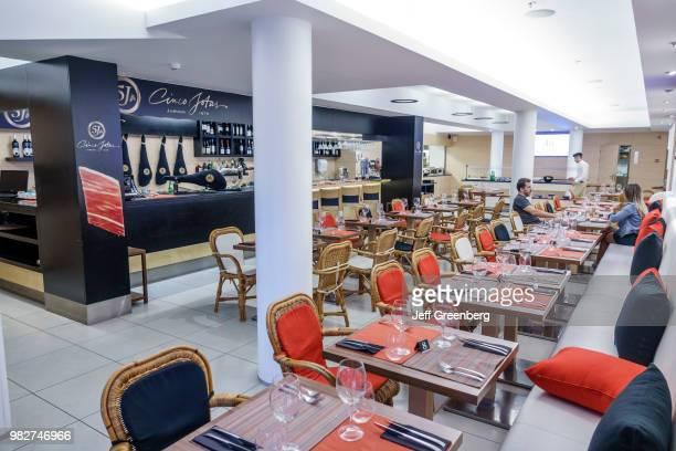 Portugal, Porto, Mercado do Bom Sucesso, Cinco Jotas in food court.