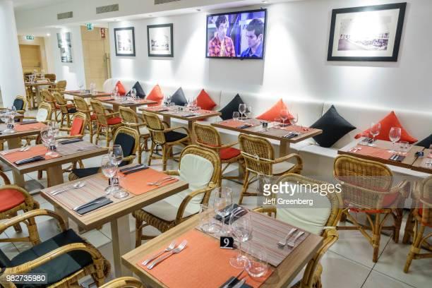 Portugal, Porto, Mercado do Bom Sucesso, Cinco Jotas restaurant dining room.
